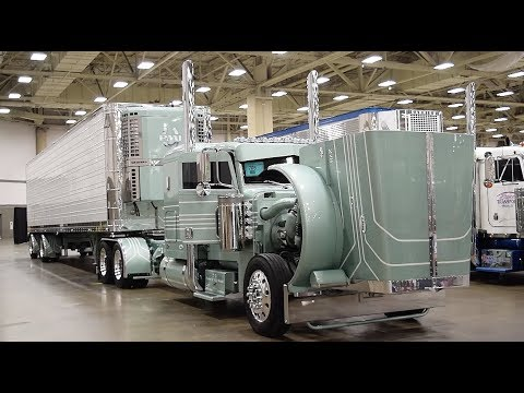 """Bryce Transport's 2007 Peterbilt 379 Legacy Edition, """"Color of Money"""""""
