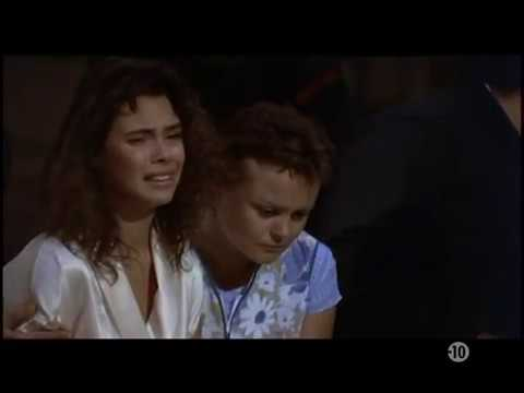 Download La Passerelle - Mathilda May - 1988