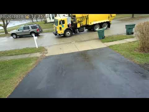 Columbus City Trash Truck hit skip