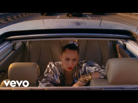 Mark Ronson - Nothing Breaks Like a Heart  ft. Miley Cyrus