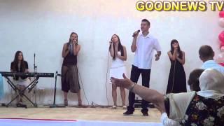 """група прославлення церкви """"Добра Новина"""" м. Трускавець, пісня """"Бог благий"""""""