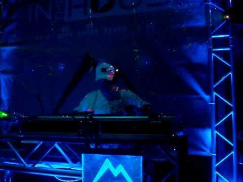 dj playero live