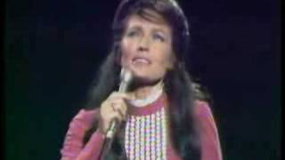 Loretta Lynn- Peace In The Valley