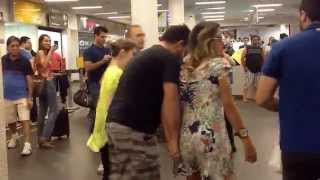 Flashmob arabe aeroporto Goiânia - grupo Nasser