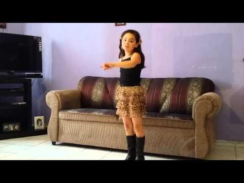 Ashley galilea de yahualica baila y canta