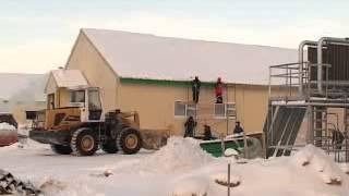 Животноводческий комплекс.flv(В этом году в селе Аксарка Приуральского района (ЯНАО) начнет работать новый животноводческий комплекс...., 2013-02-08T11:26:51.000Z)