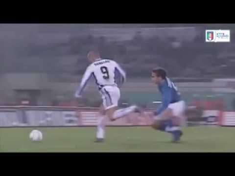 Ronaldo Nazario humillando leyendas
