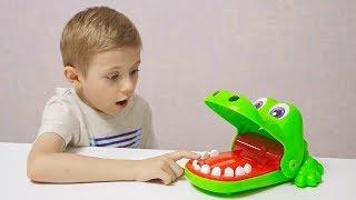 Смешной Челлендж КРОКО ДАНТИСТ для всей семьи - Весёлое видео для детей с Даником и родителями