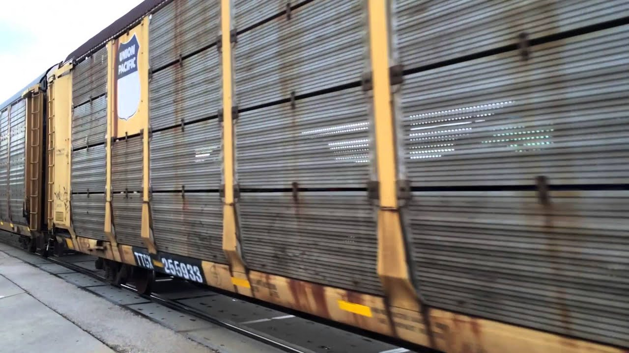 Train Union Pacific Autoracks Car Hauler Youtube