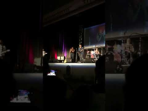 Lisa Berry singing Proud Mary at SPNNash