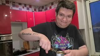 Варю готовлю суп с лапшой и тушёнкой! Приготовленте Вермишелевого супа с мясом! Руслан Гительман!