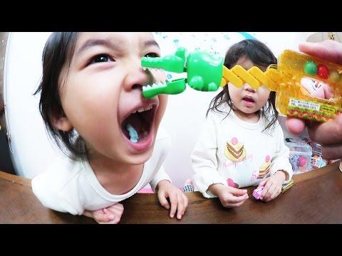 ●普段遊び●「おやつ?」ワニぱくハンドで遊びました^^まーちゃん【4歳】おーちゃん【2歳】