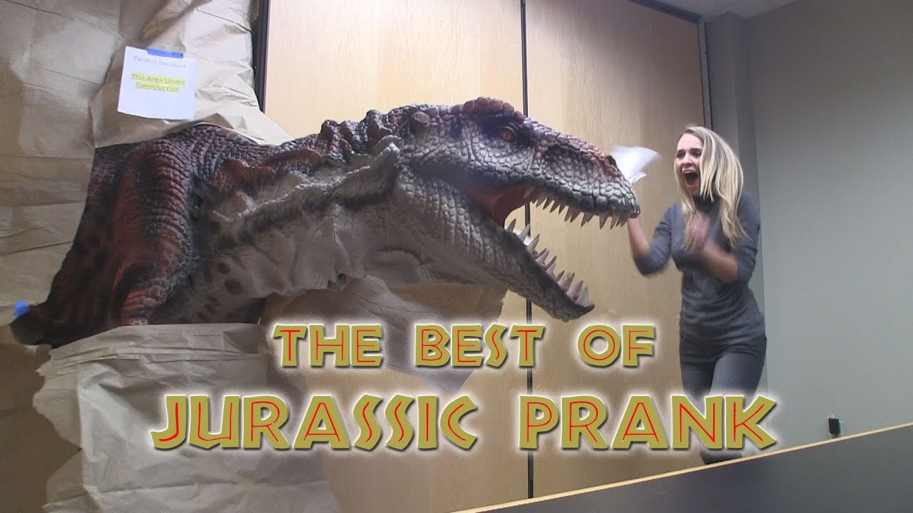 The Best of Jurassic Prank!! Scaring people with Dinosaurs ... Dinosaurs T Rex