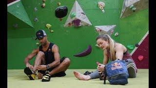 Daniel Ricciardo finds himself between a rock and a hard place