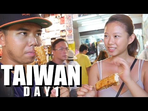 Traveling to TAIWAN: Amazing Soup Dumplings + NIGHT MARKET FOOD! Taipei Day 1