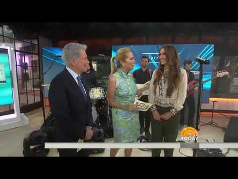 Lauren Daigle  How can it be? Today show