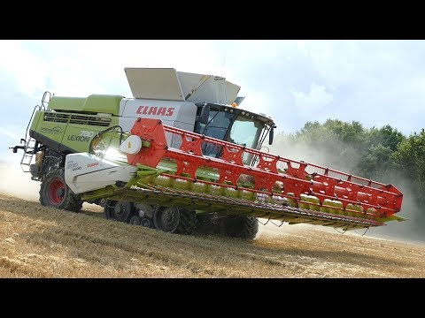 Claas Lexion 780 TT Harvesting Barley w/ 45 ft. Claas 1230 Vario Header | Big Farming | Danish Agri