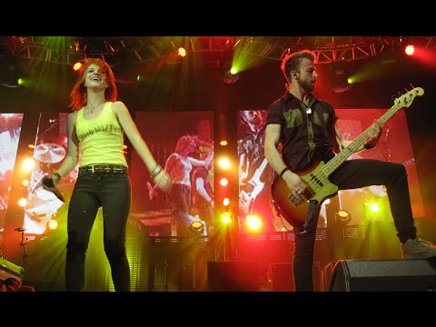 Paramore Honda Civic Tour 2010 Full Performance