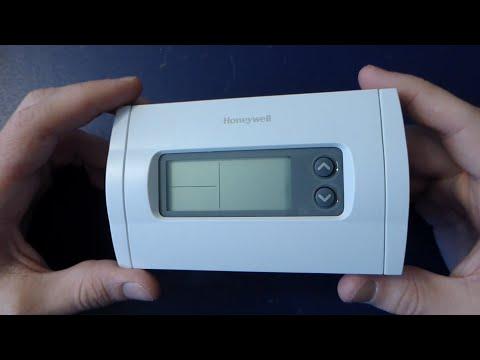 Random Teardown #006: Honeywell RTH230B Thermostat