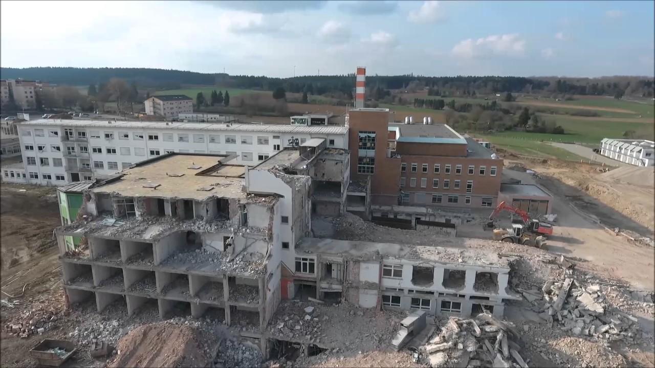Abriss Klinik VS-Schwenningen Teil 2 - YouTube