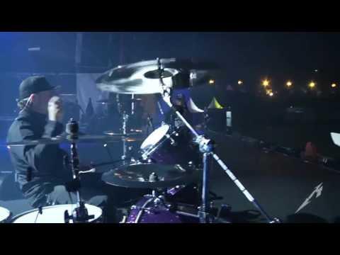 Metallica playing Iron Maiden - The Number of the Beast ( Lars Sucksss)