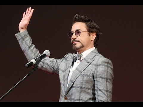 Robert Downey Jr. speaks Russian (The Avengers Movie Russian Premiere)