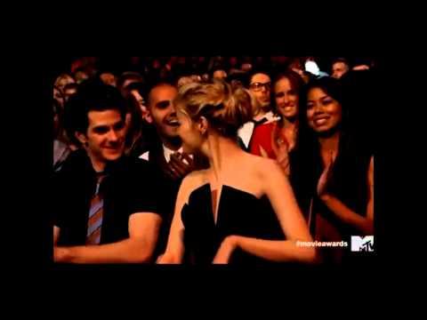 Emma Stone + Andrew Garfield } Kiss Me ❤