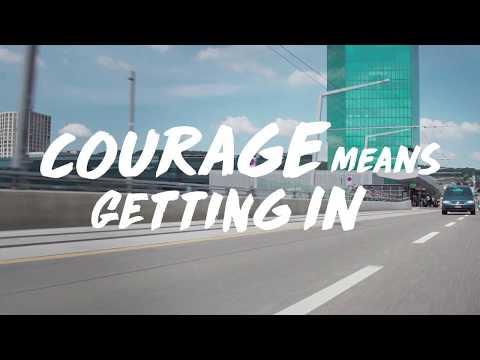 Allianz | Bruno Correia als UBER Fahrer mit dem Formel-E Safety Car