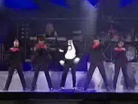 Homenaje al mostros de los mostros Michael jackson GITANO (Copyright Sony Music Entertainment.)
