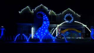 Skrillex New Year's Mix Christmas Light Show at the happyholidayhome HD