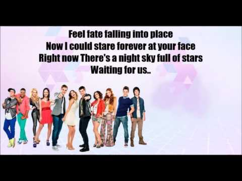 Violetta - [Hoy somos más] Versão English (Right now) KARAOKE