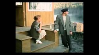 """Отрывок из фильма  """"Любовь и голуби"""", -Умерла, дедушка, твоя бабушка"""