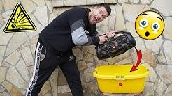 XXL JBL BOOMBOX ins WASSER LEGEN !!   Experimente