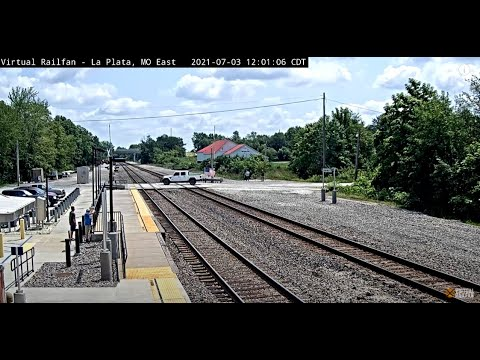 La Plata, Missouri, USA | Virtual Railfan LIVE