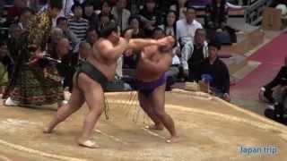 2015九州場所の高安 vs 松鳳山の取組。物言いがつき、取り直しとなった...