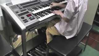 Electone ELS-02Xで[雪だるまつくろう]と[レット・イット・ゴー ~ありのままで~]を弾きました