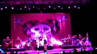Avril Lavigne The Best Damn Thing World Tour 2007 @ Hong Kong - Girlfriend (Opening)