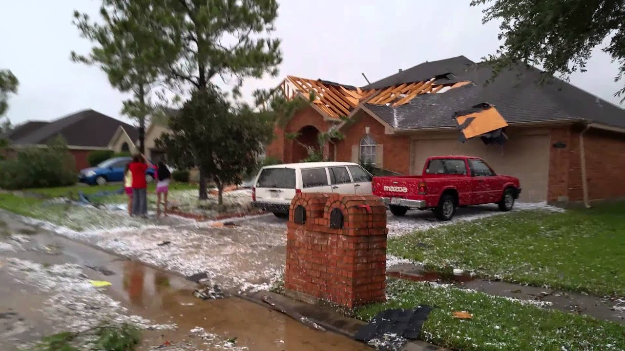 Tornado hits on my street 5 houses down in la porte tx for Porte a porte finsbury park