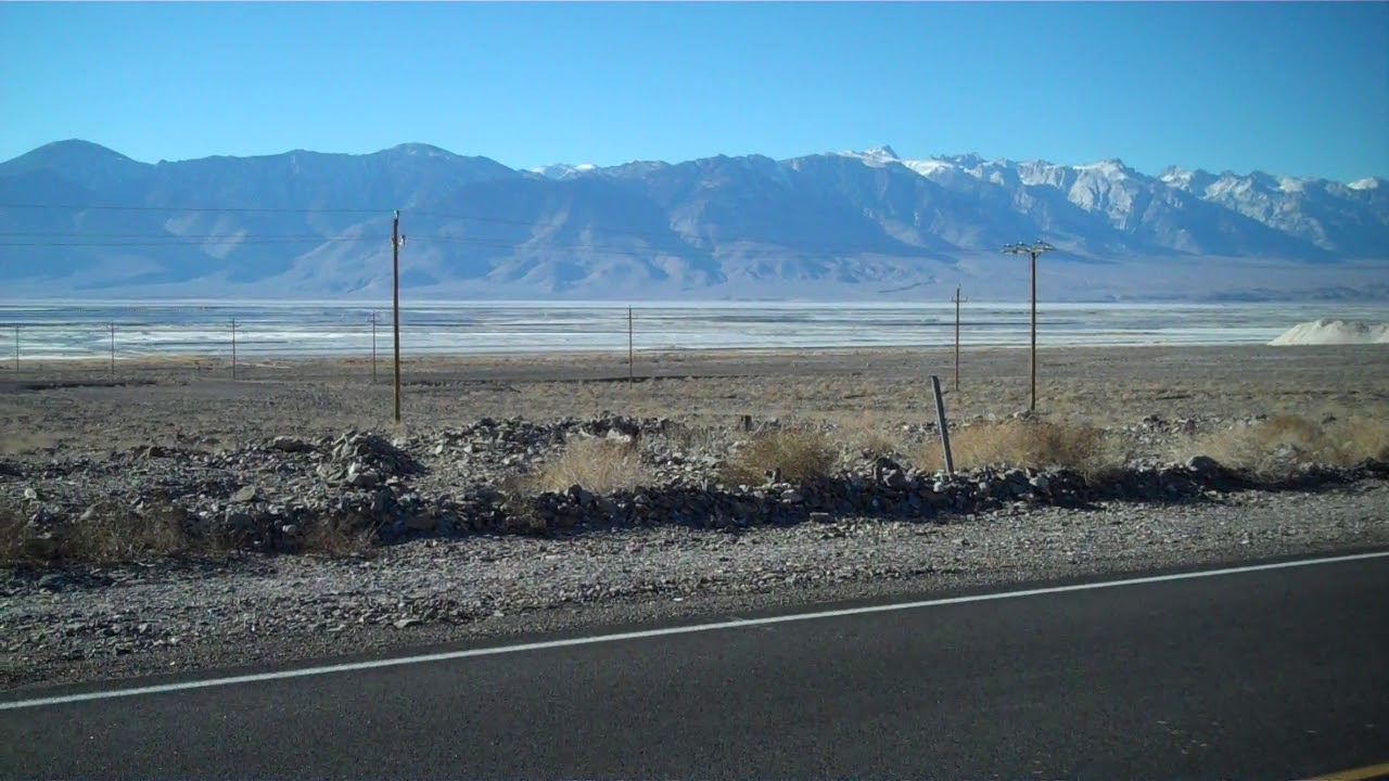 Driving from Death Valley to Lone Pine, California on ...