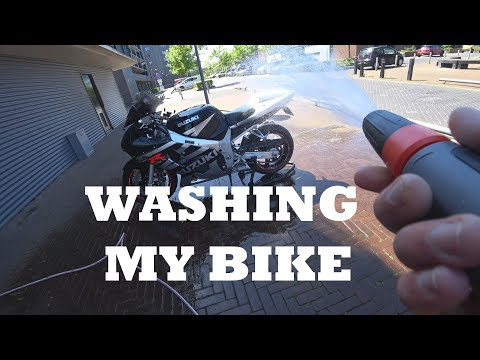 Washing the cleanest looking Suzuki GSXR 600 from 2003 - 4K - *How to*
