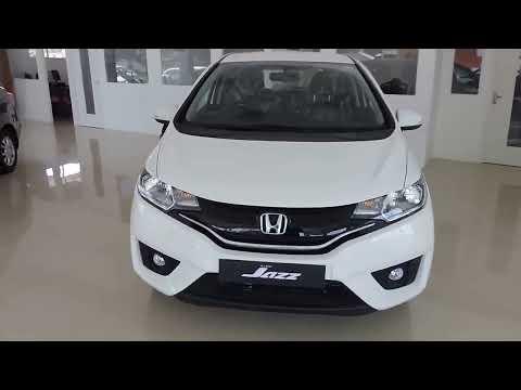 Honda Jazz VX Tafeta White Full View