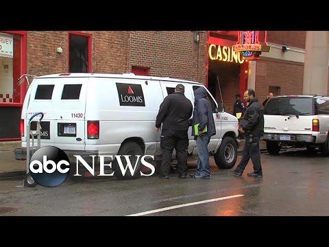 armored car carjacked in detroit 2 million stolen doovi. Black Bedroom Furniture Sets. Home Design Ideas
