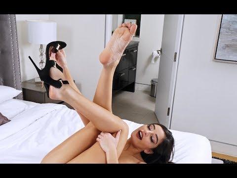 "Ask A Porn Star: ""Do You Have A Fetish?""Kaynak: YouTube · Süre: 5 dakika15 saniye"