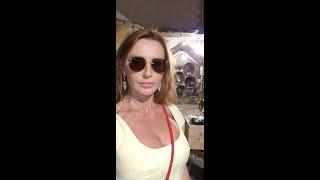 Оксана Марченко в Позитано: мини-экскурсия по винному погребу