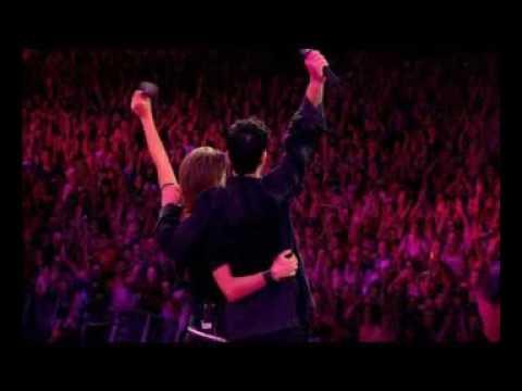 Robbie Williams - Back For Good (Ft  Mark Owen)
