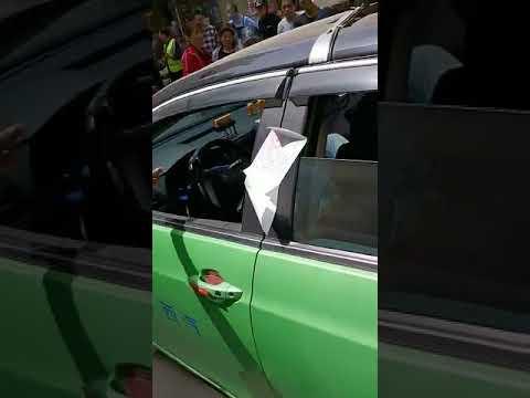 中國三寶|司機車內猝死,車上竟然貼有罰單