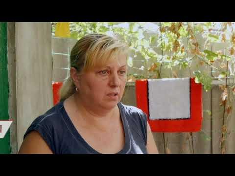 Сусідські війни: на Одещині люди кидають один в одного скляні банки та розбирають паркани