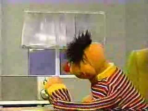 Classic Sesame Street - Ernie's home alone