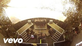 Repeat youtube video Swedish House Mafia - Greyhound (Live from Miami)