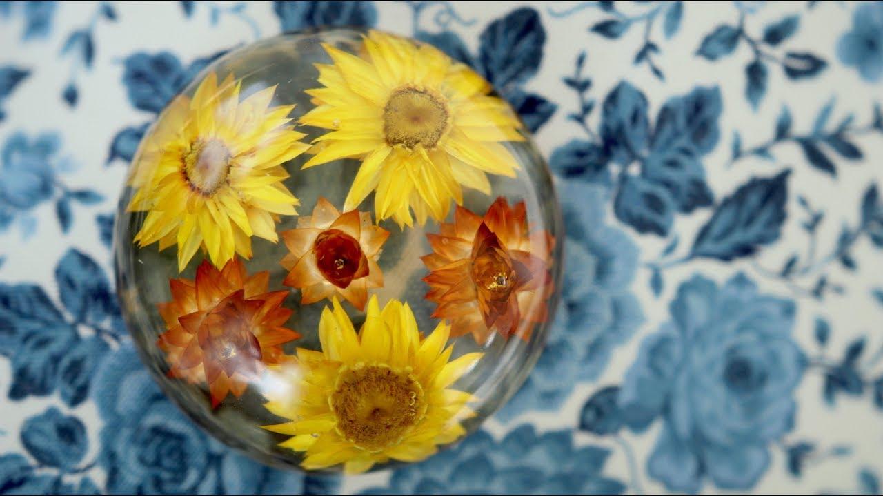 Easy Diy Dried Flowers In Resin